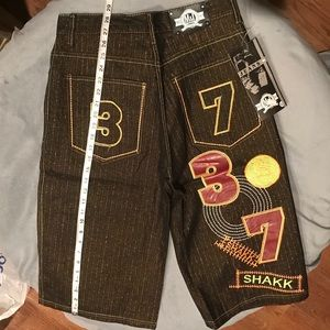 Super Cool Embroidered Jean shorts size 32